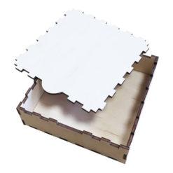 Medinė dėžutė, 10x10x3 cm dydžio
