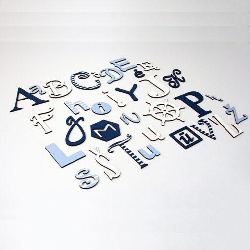 Medine linksmoji abecele - jurine tema