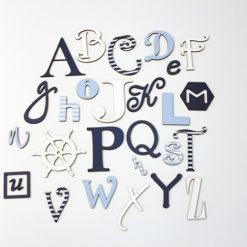 Medinė linksmoji angliška abėcėlė - jūrinės spalvos