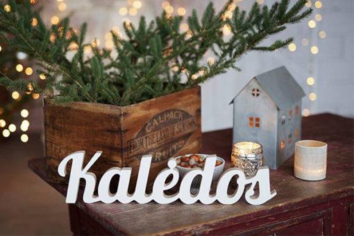 """Pastatomas medinis žodis """"Kalėdos"""""""